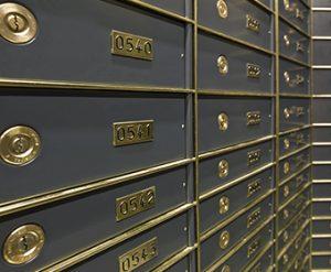 secure safe deposit boxes